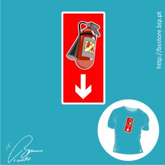 T-shirt personalizada - Extintor; Picantes; Apagar o fogo; Extintor;